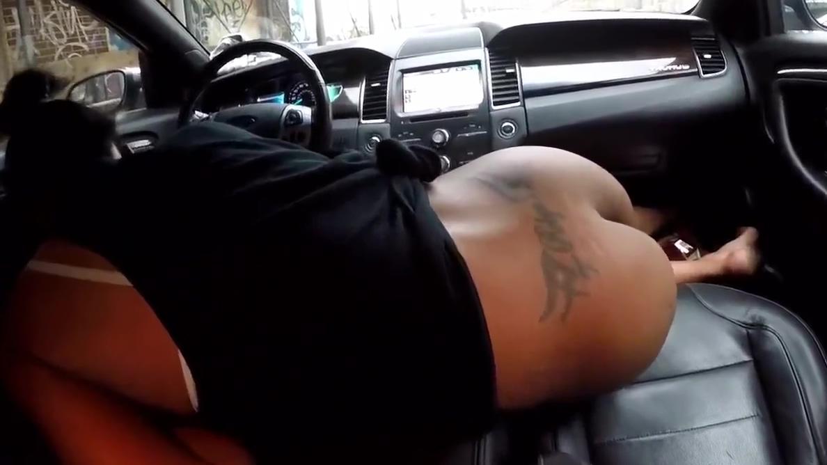 Black street prostitute sucking and fucking in car Busty milf gets a cum splatter