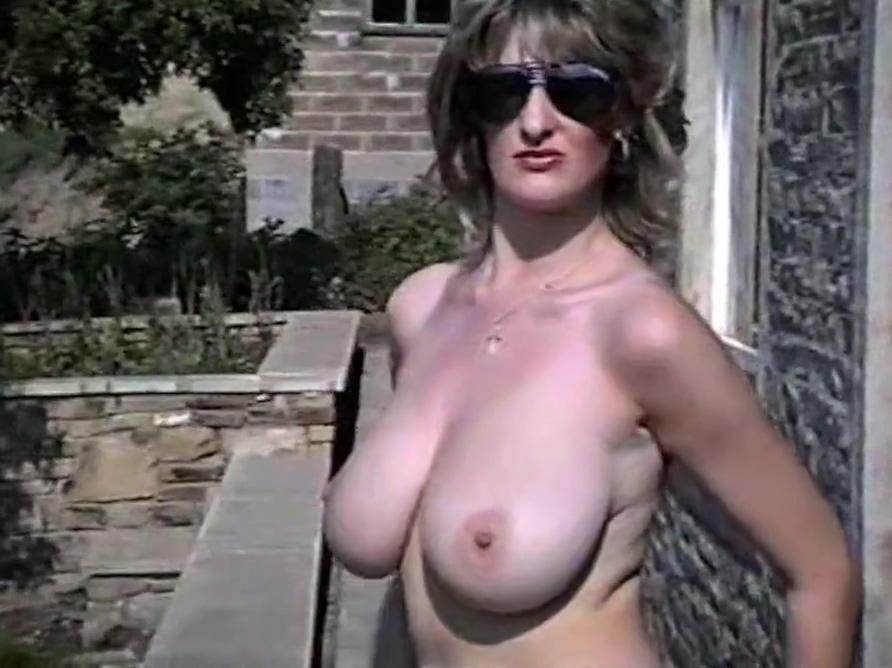 LAVENDER - vintage British huge tits striptease Women suck own