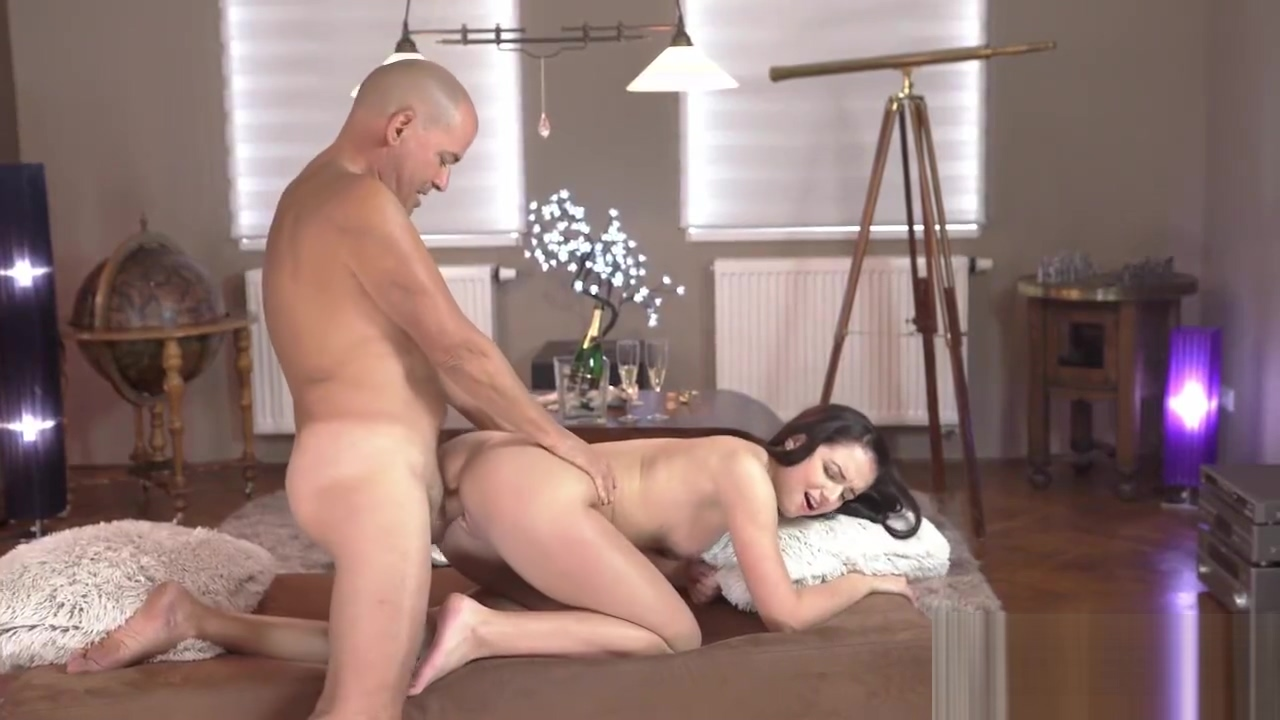 Older Guy Fingers & Fucks His Stunning Young GF Kittina Ivory Nude hot girls sexy