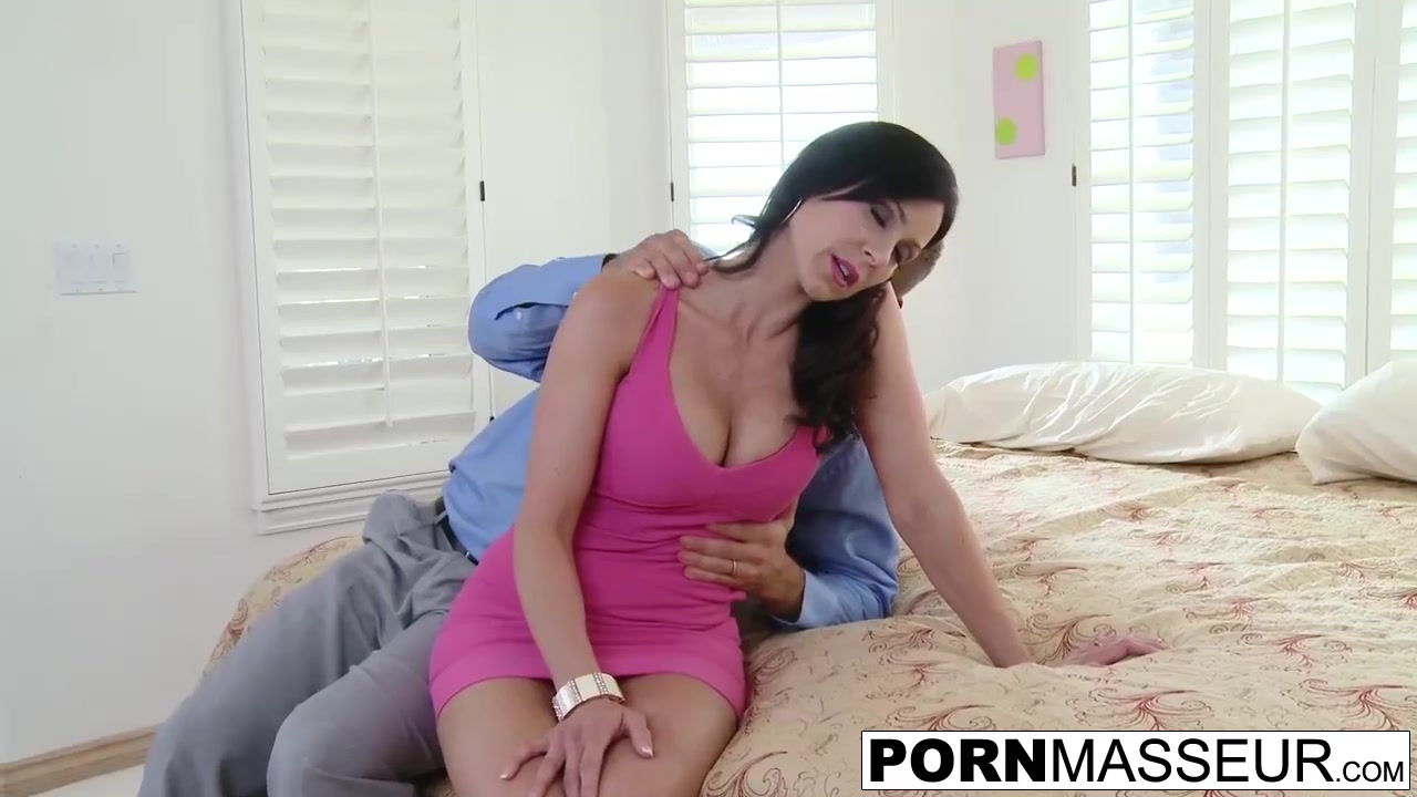 Nude photos Women using huge dildo machine sex