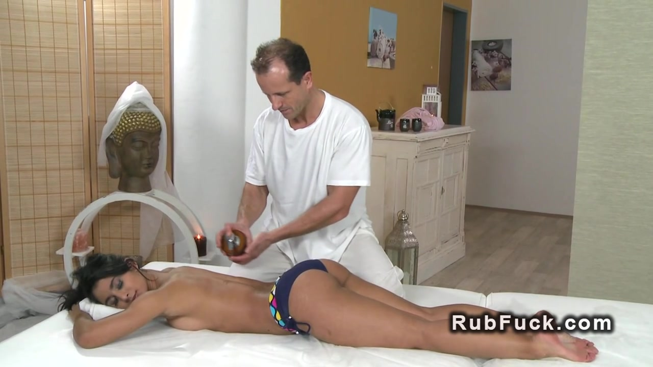 Naked xXx Nuci de brazilia online dating
