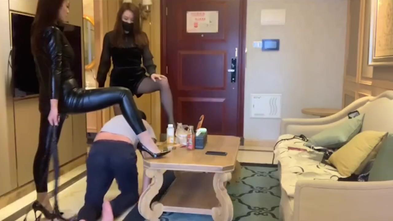 Two mistress trampling foot slave ??????? lesbea passionate lesbian sex busty skinny redhead trib female orgasm free porn videos youporn