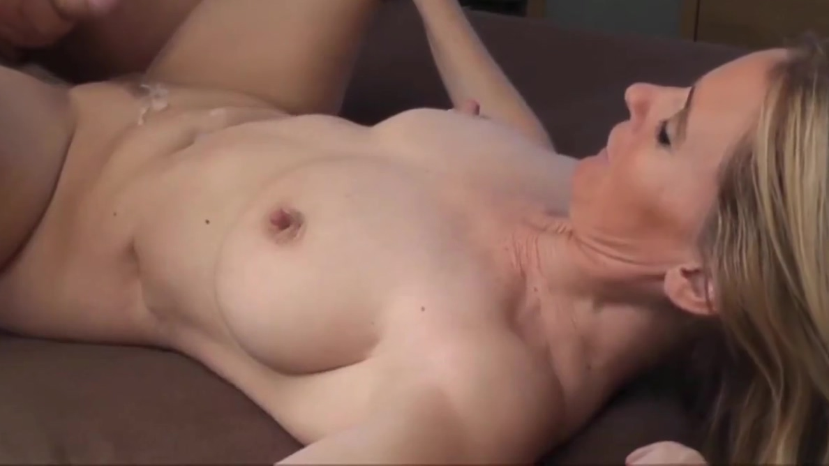 Stunning Divorced Wife Wants To Get Promoted At Work