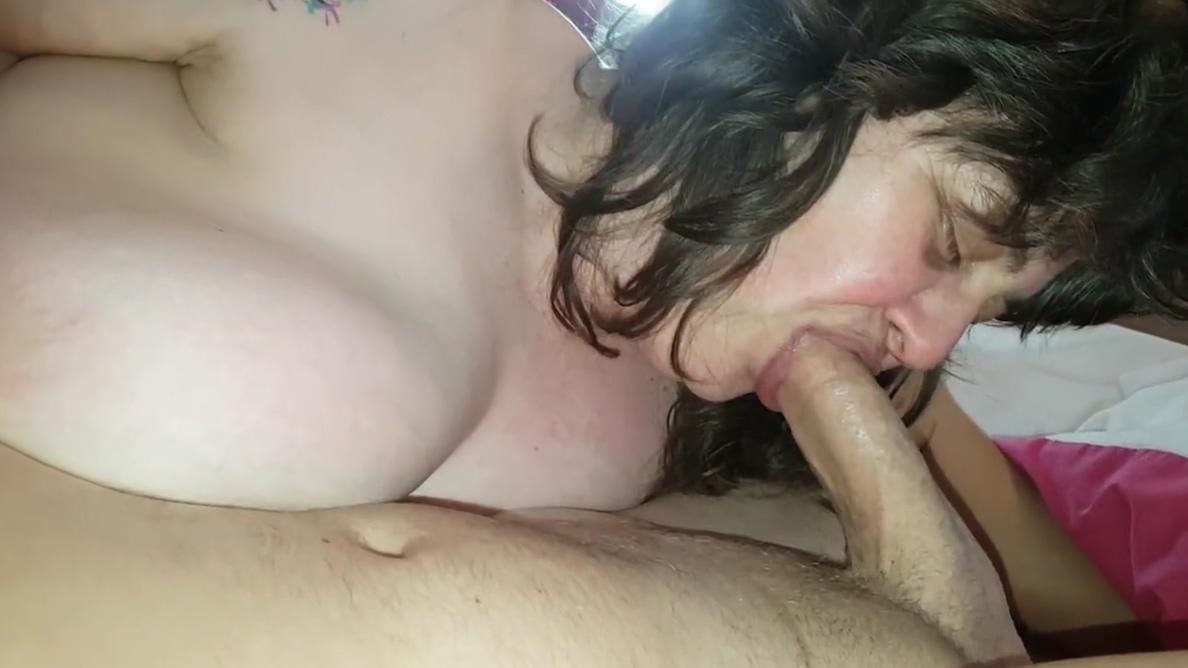 BLOWJOB P.O.V BALSS swallowing deep throat big booty