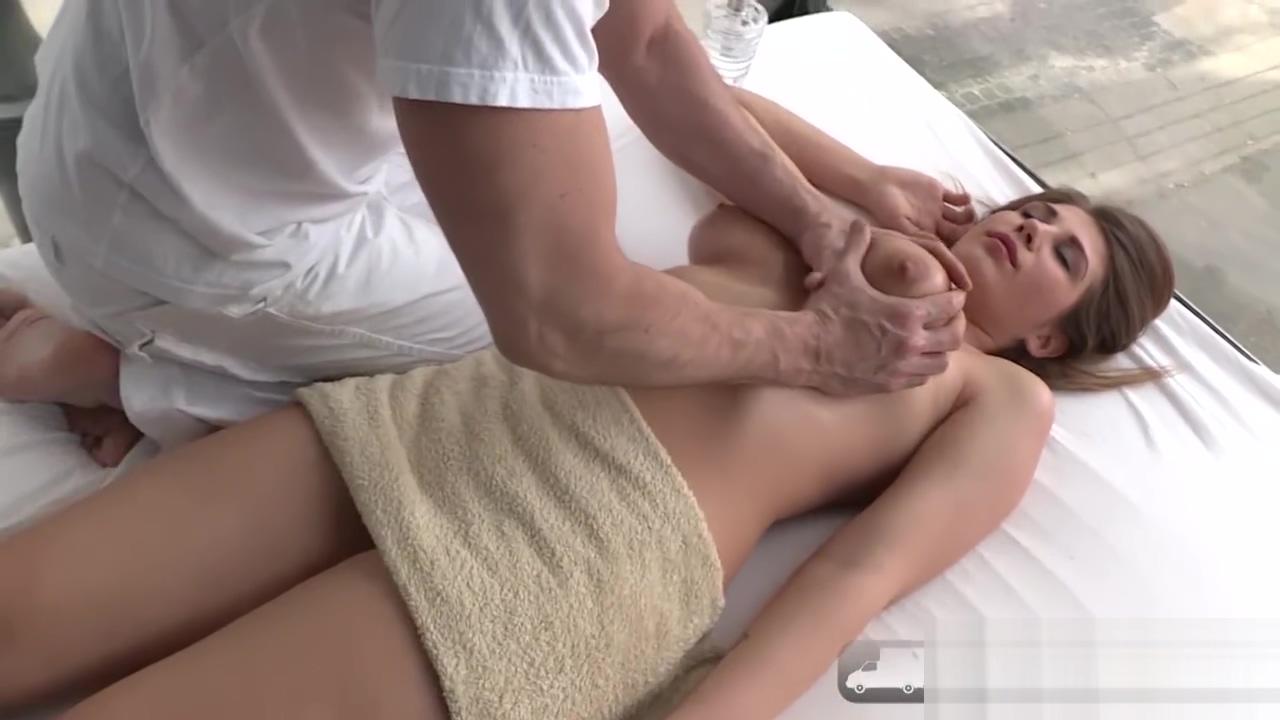 Hot Ayda Swinger titty fucked in public