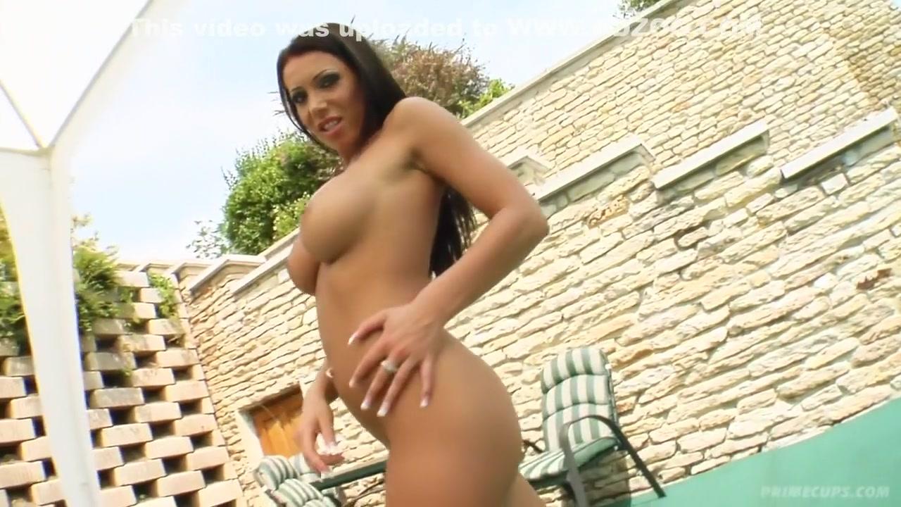 Hot xXx Pics Ballbusting porn pics