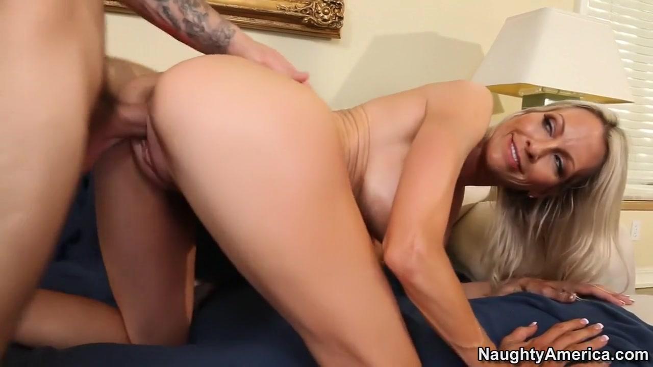Sexy Galleries Blonde mature (sid69)