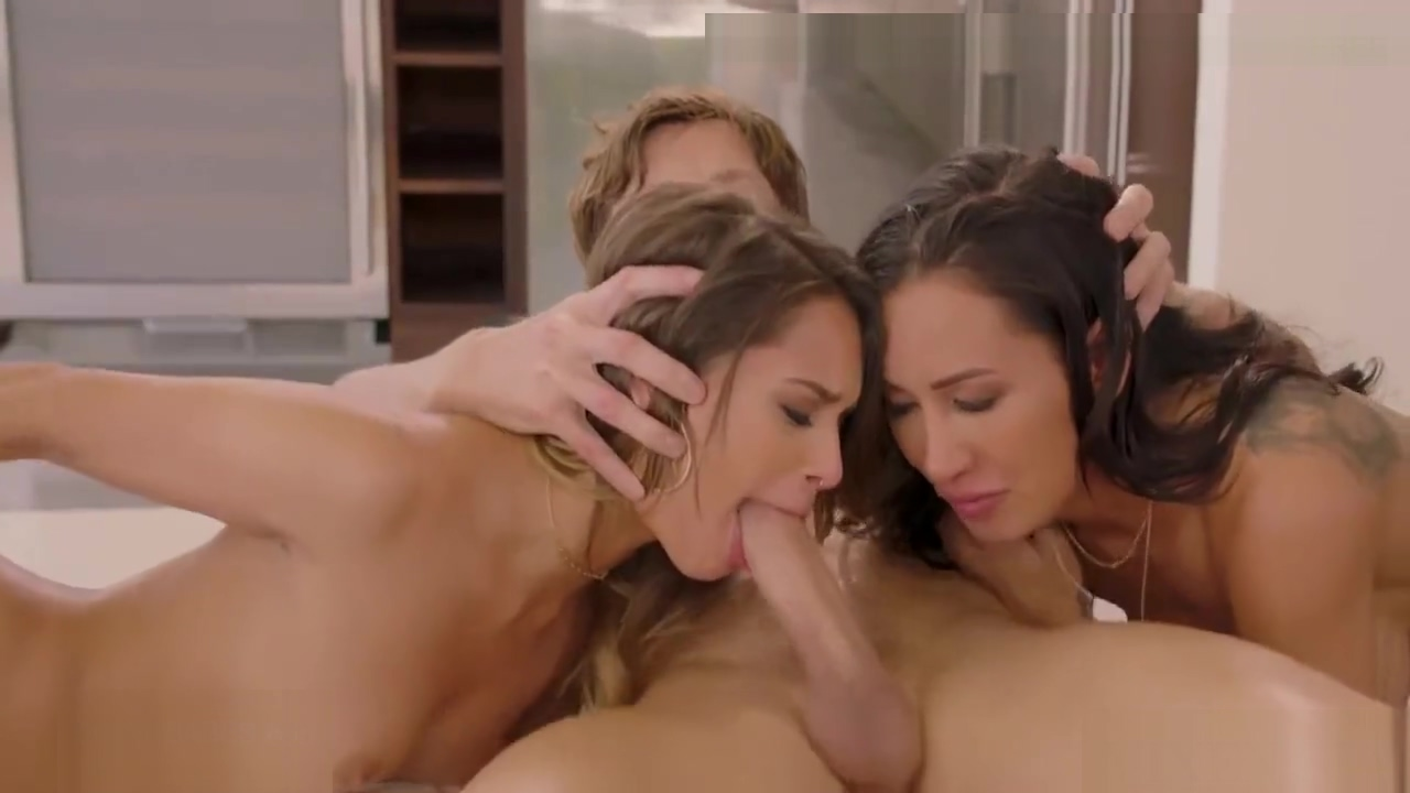 I fuck my two secretaries in my house