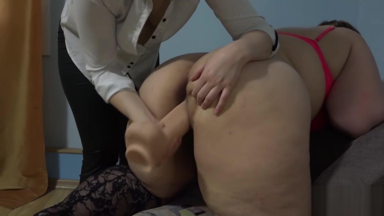 Natasha Ira fucks big dildo!