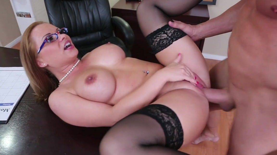 Sex after everyone has left the office Tranny fucks girl free porn