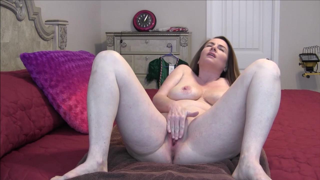 Custom Strip/Masturbate Over 50 sex pics
