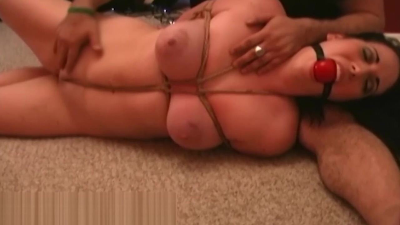 Naked &amp_ Bound! Samantha Grace Submits To Roped Expert! Sexy naked booty wet porn gif