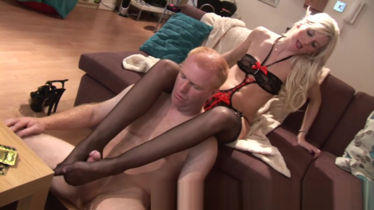 Sar 2.flv chick in volleyball shorts gets fucked