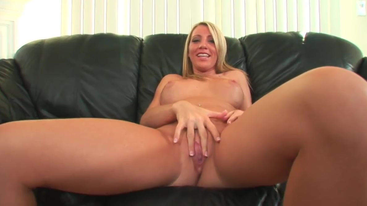 Blonde MILF has cum oozing from her cunt after banging