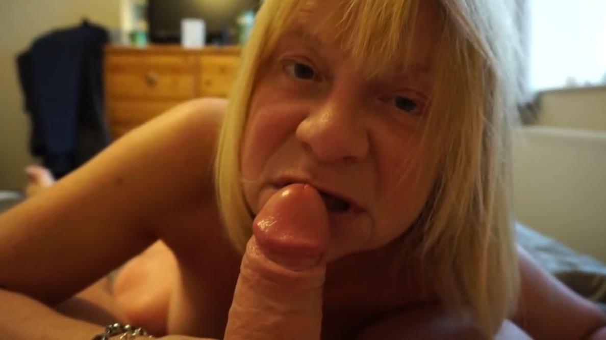 MATURE BLONDE WIFE gigi edgley porn with showing images for gigi edgley farscape porn xxx