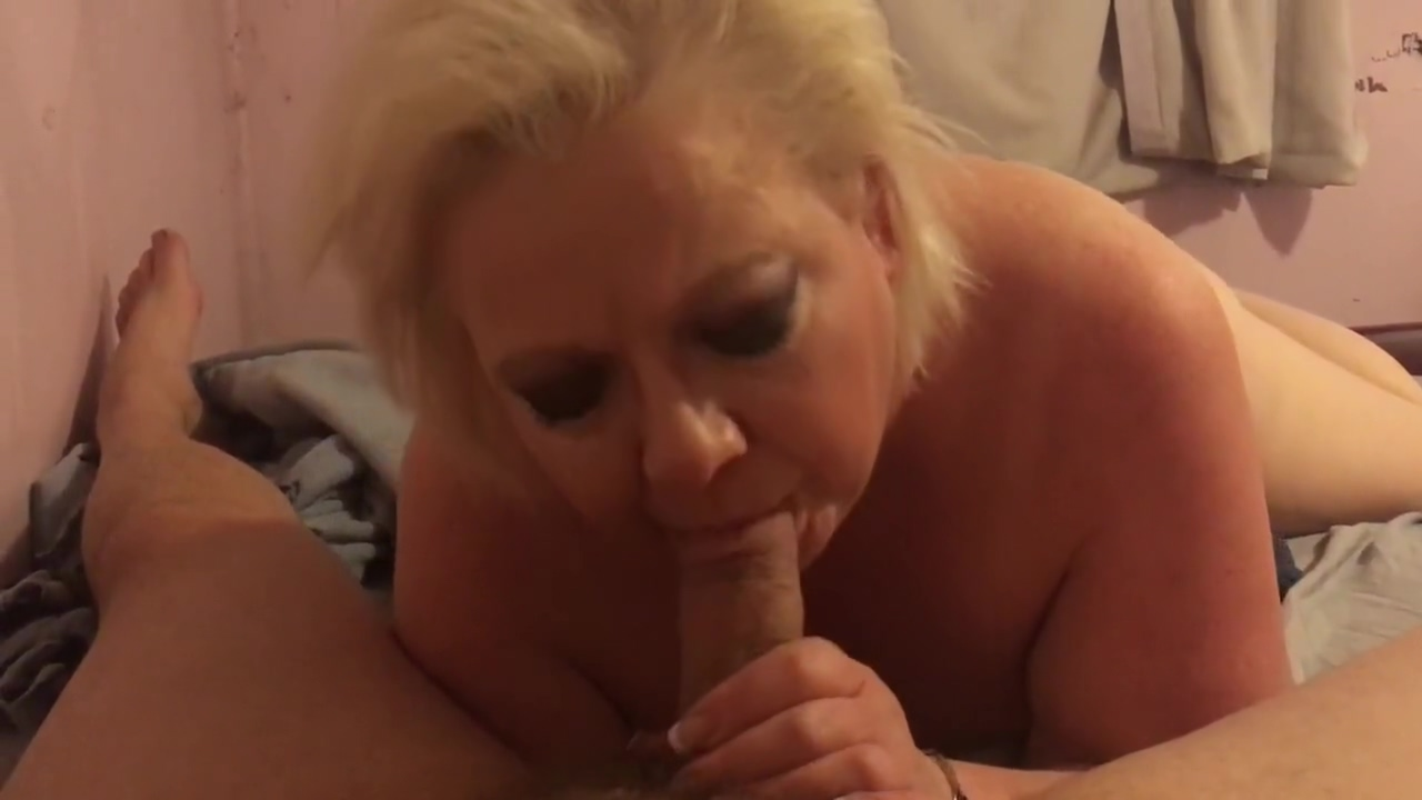 Cougar gives me amazing sloppy bj