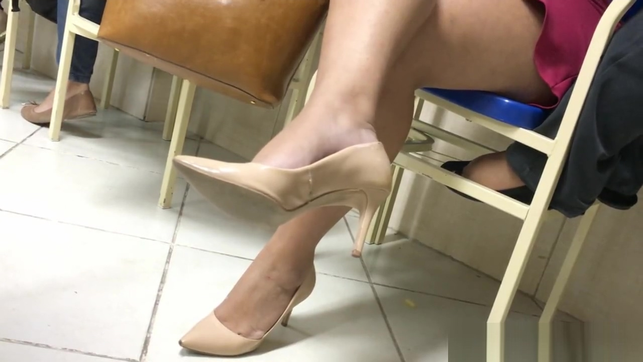 Amazing girl tatoo feet in high heels