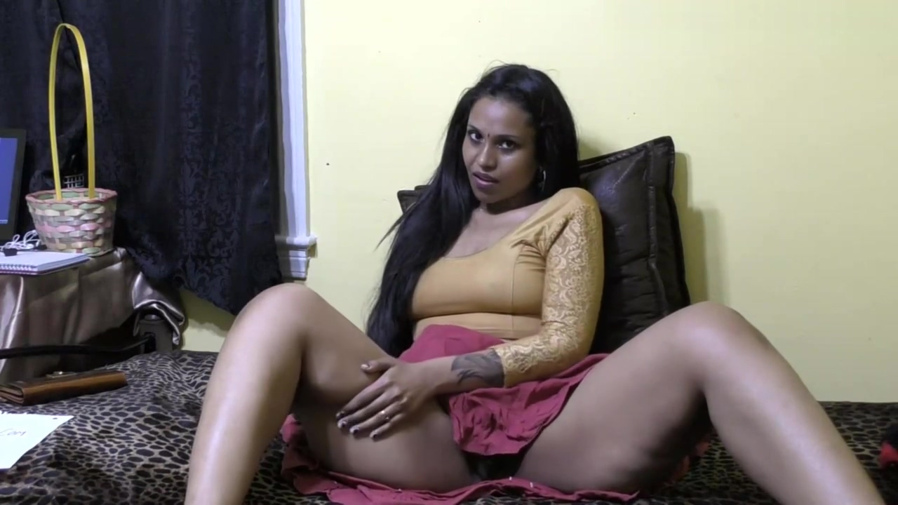 Horny Lily - Bhabhi Roleplay in Hindi (Diwali Special)