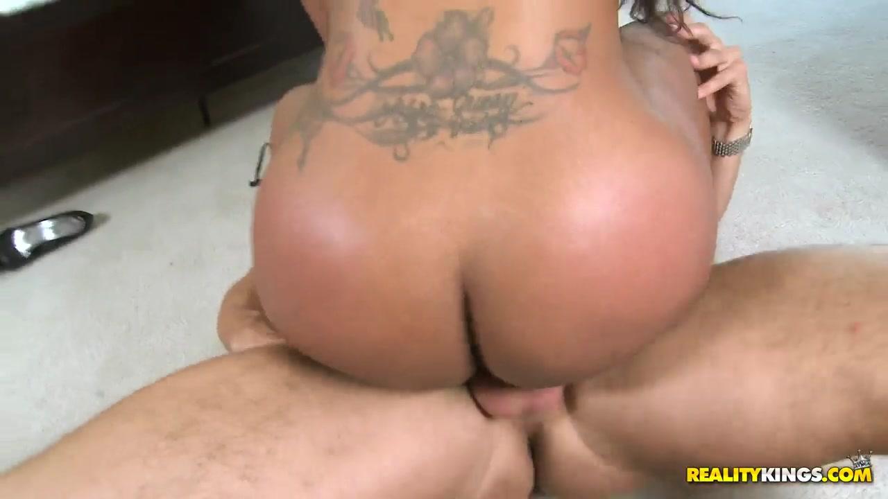 Big curvy women fucking All porn pics