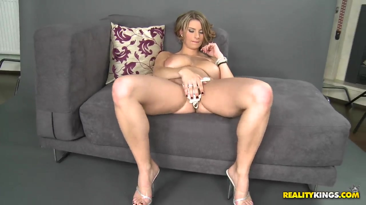 Hot Nude gallery Bbw wife missionary