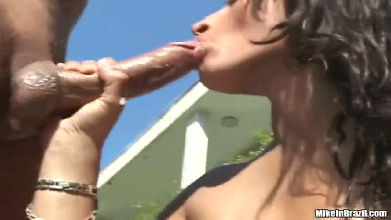 Sexy Photo Amateur girls ass a the mother