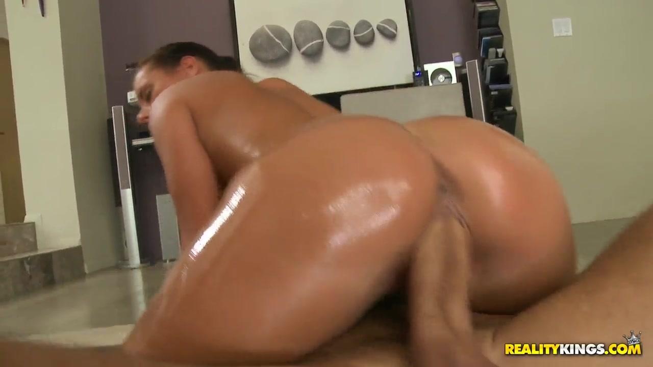 Hot xXx Video Big booty ebony fucks white dick