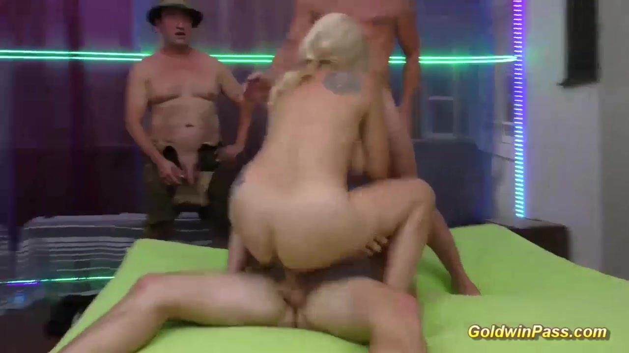 Nude 18+ Squiggy on the dating game