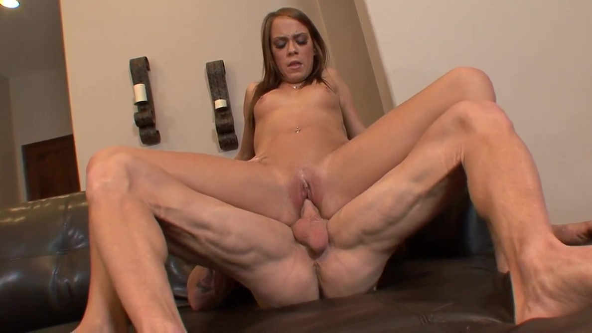 Teen in hot pink gets her cunt licked on studs desk nauti nice sex toys