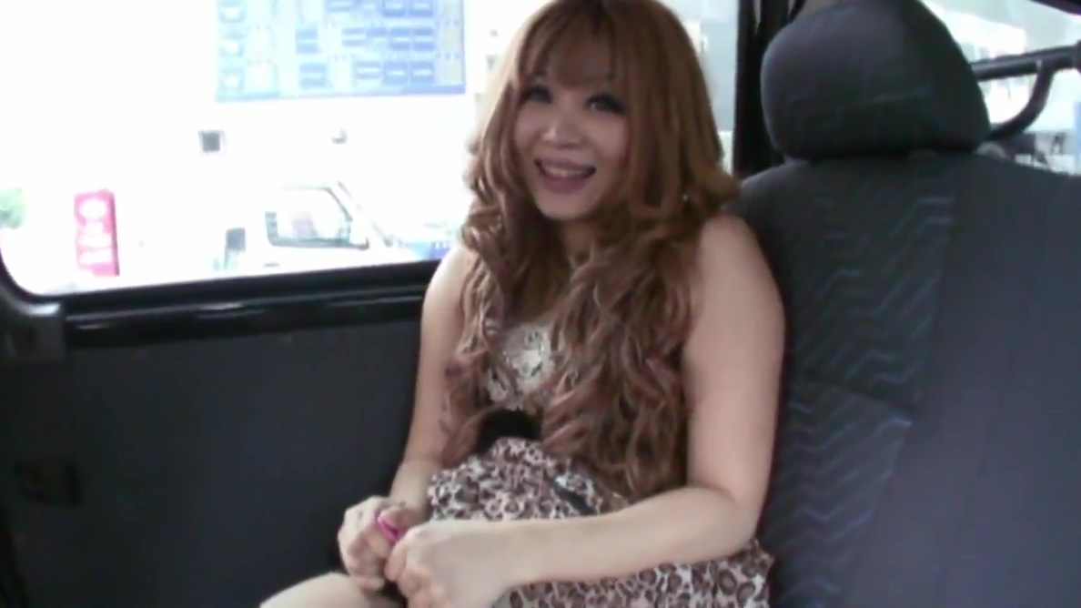 Horny cutie masturbates in the back seat of a car Donna noble boobs porn