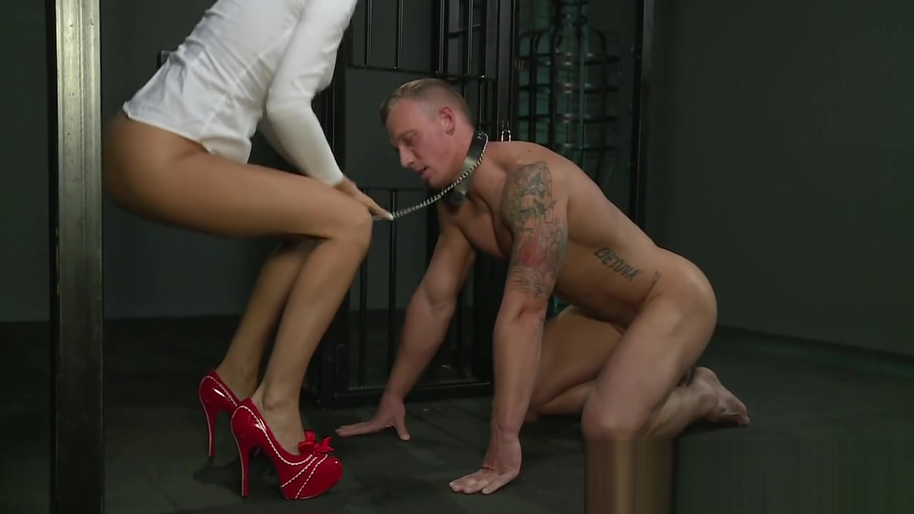BDSM XXX Cock hungry Mistress has her way with big muscular sub
