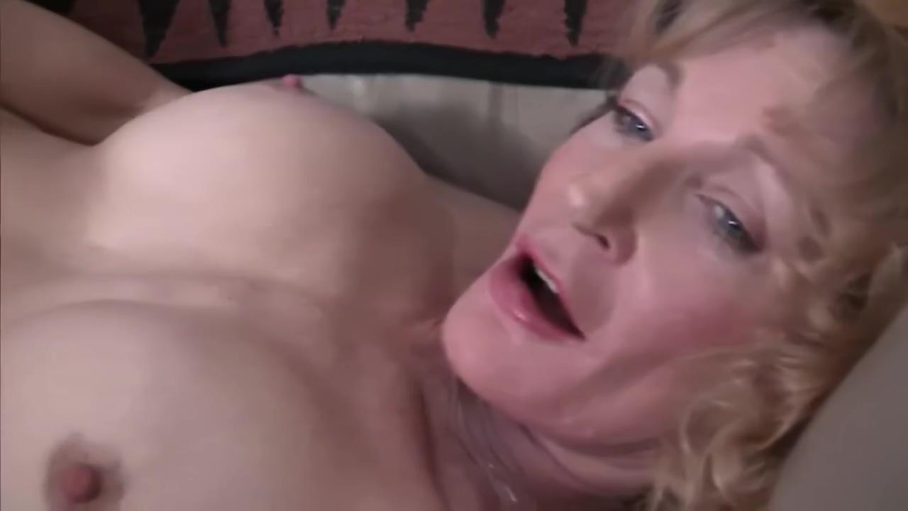 Mature blonde gets herself off - Train Wreck