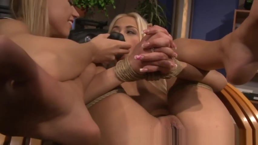 LEZDOM domina misstreats subs pussy Bdsm lesbian gives oral