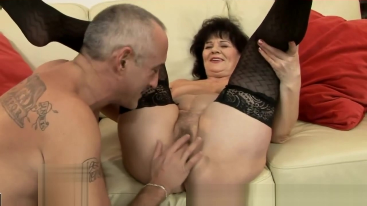 Mature hairy granny in lingerie gets dildo