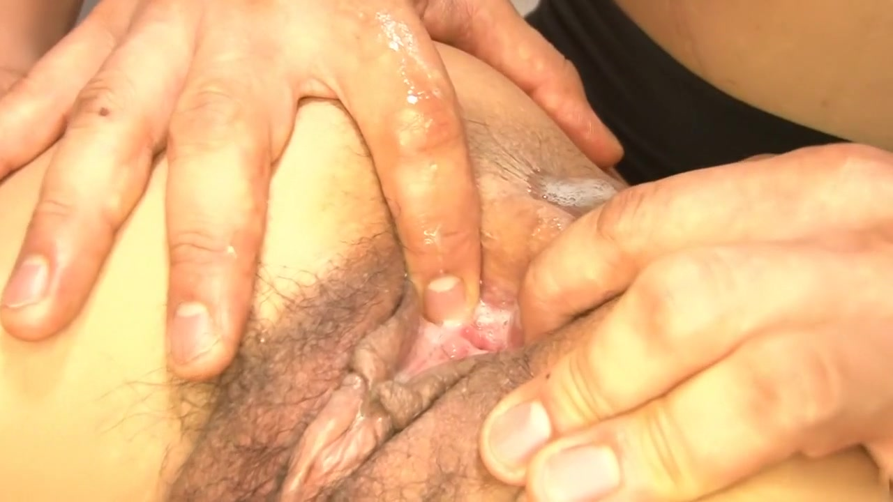 Mature big clit and outer lips Porn Pics & Movies