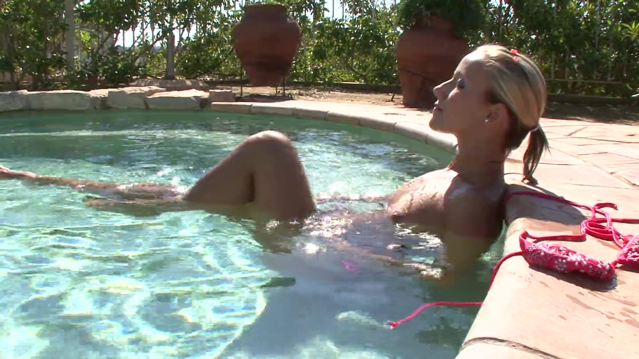 Nikki Miller playing with herself in the pool - Xisty Attractive Tranny Strips Off And Reveals Her Slender Figure