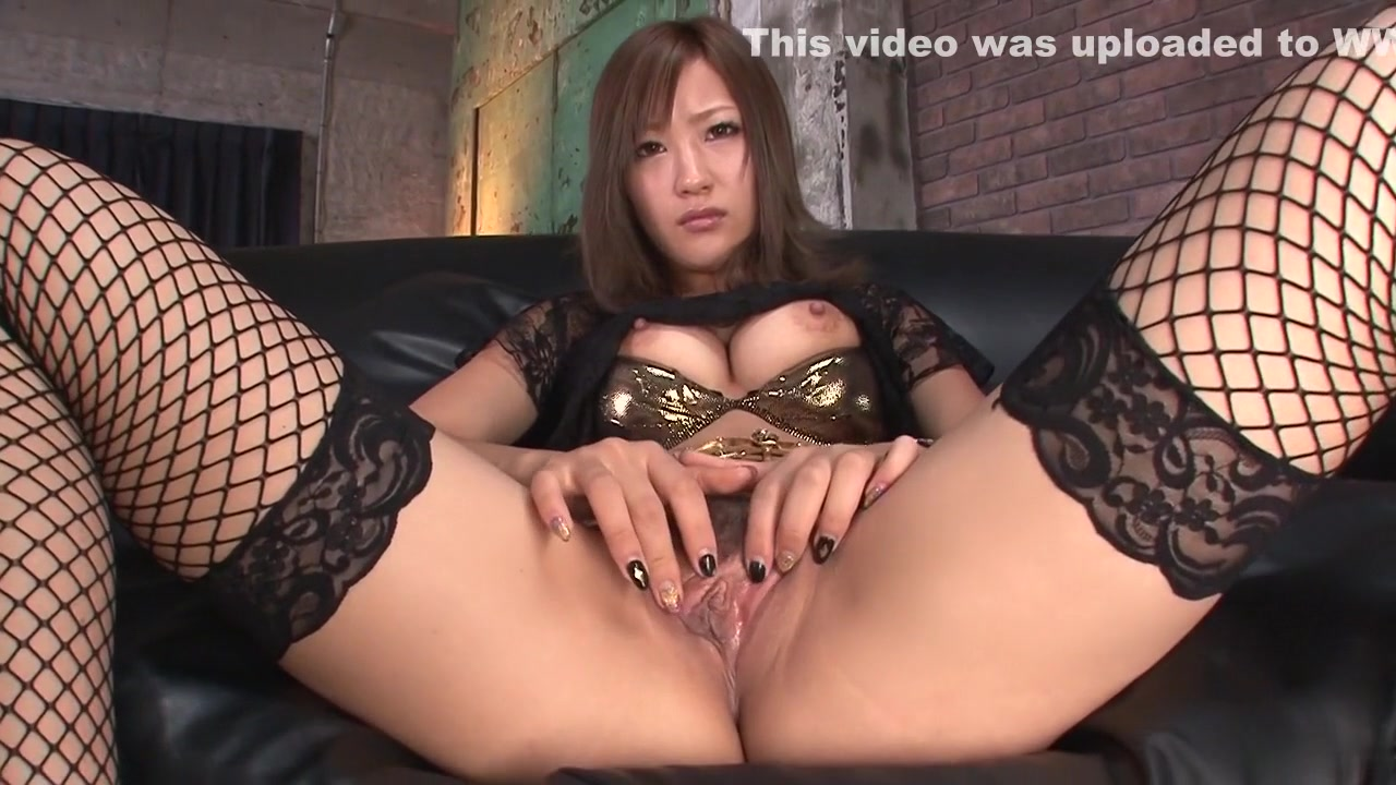 Porn Base Vintage MILF Does Her Work