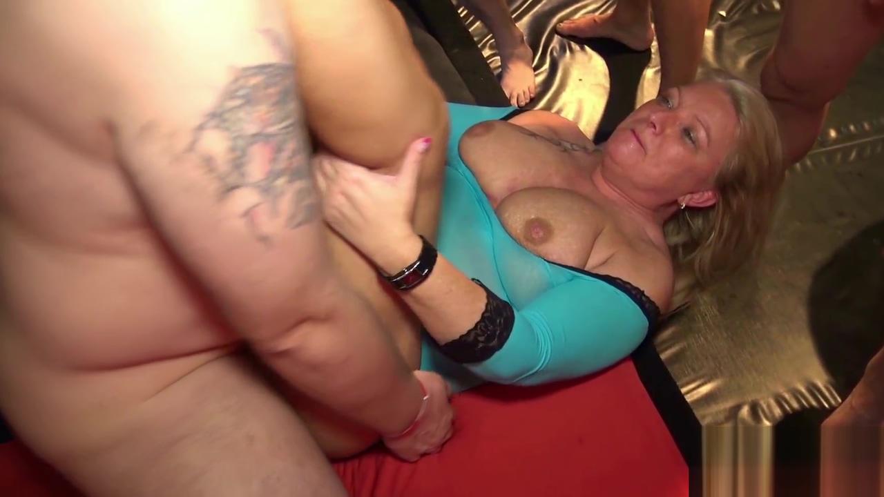 Extreme cum battle,with 2 GangBang Sluts Amatuer cum bath free videos