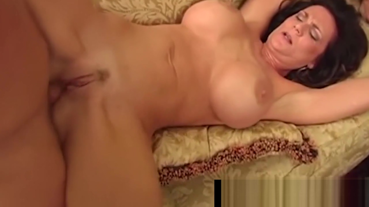 Busty Cougar Deauxma Sucks Young Stud As Hubby Looks On! Girl singing in Haapsalu