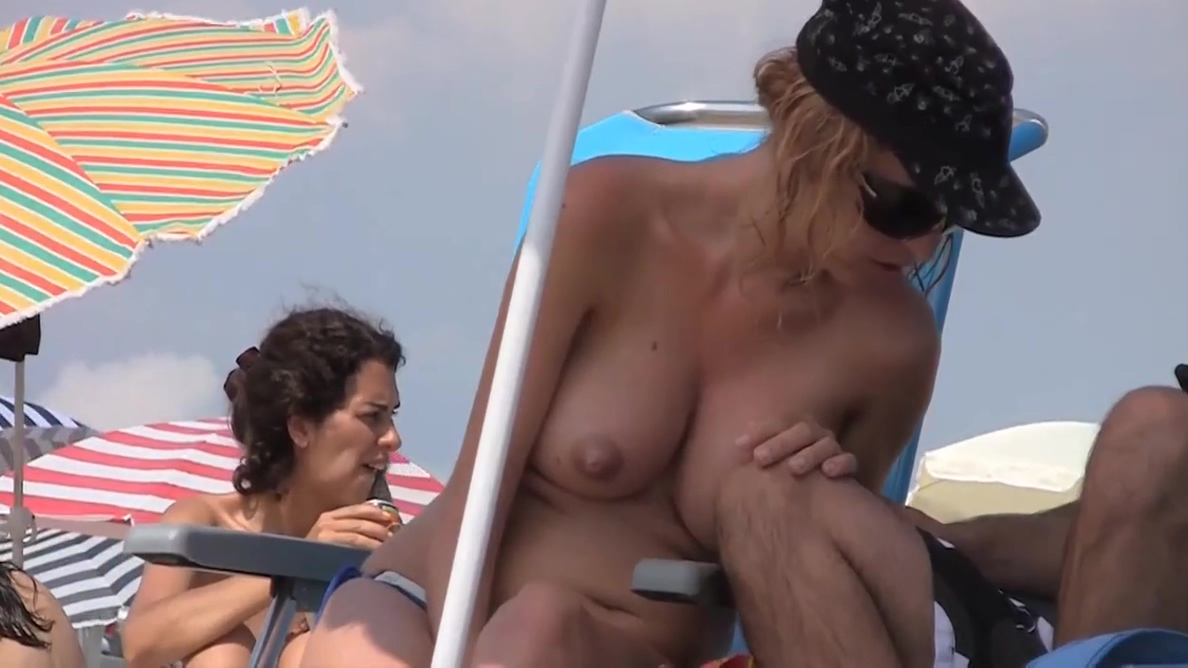 pregnant - hoot blonde in beach Aunt judys models