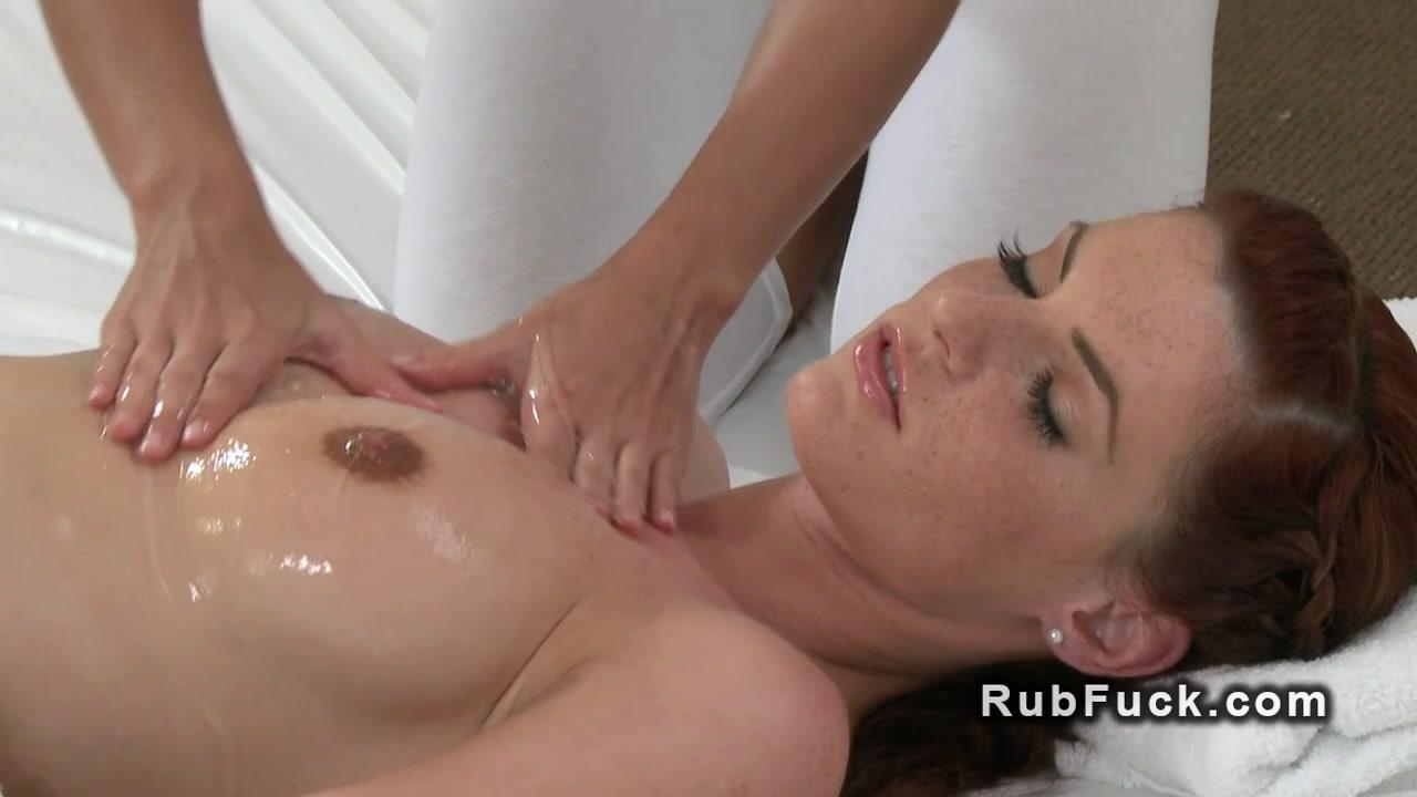 Ebony Big squirt butt