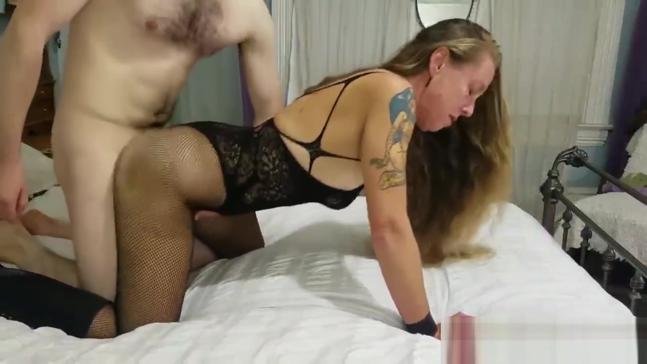 Mature getting fucked thru her body stockings Sex position apps for samsung