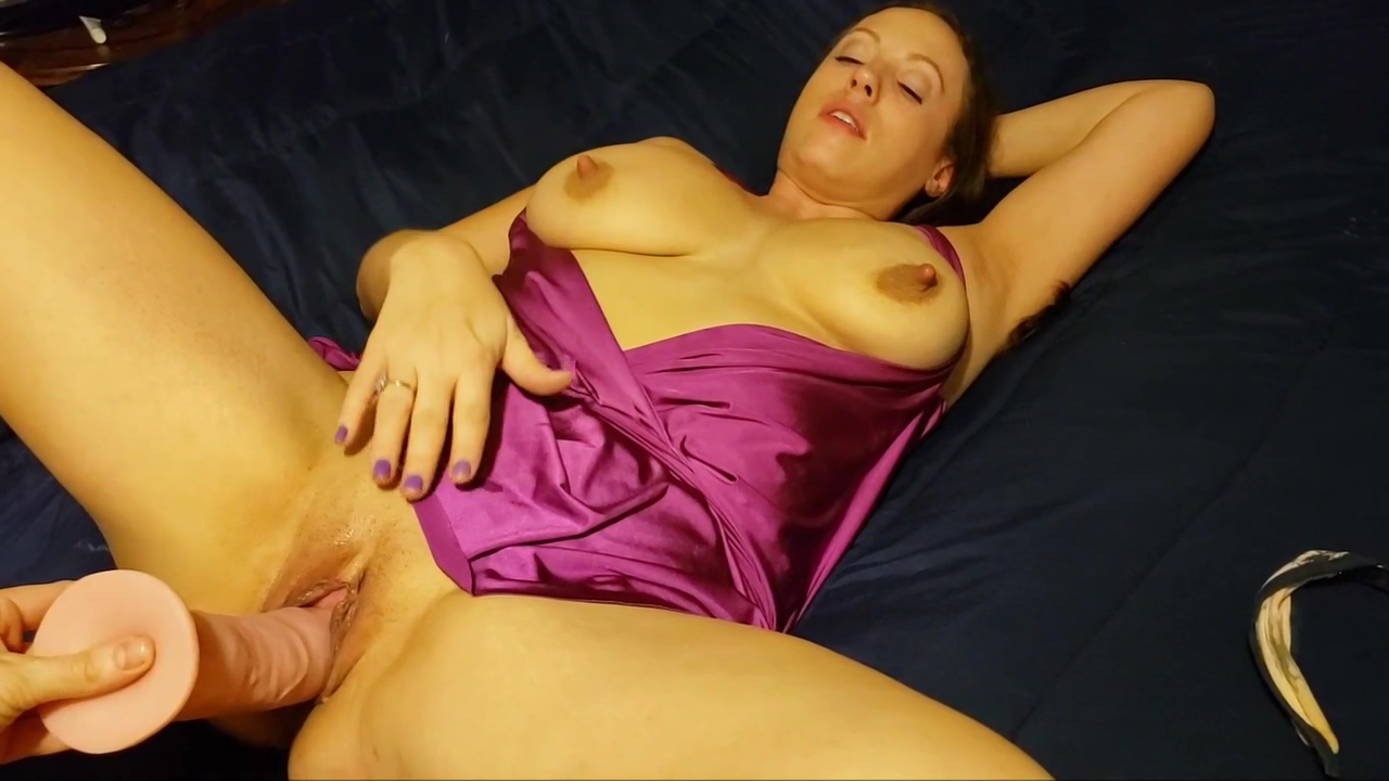 Jaxi After Dark - Purple - Busty MILF with unique breasts and deep pussy just loves being a slut for you. COMMENT!!! Slut in Arys