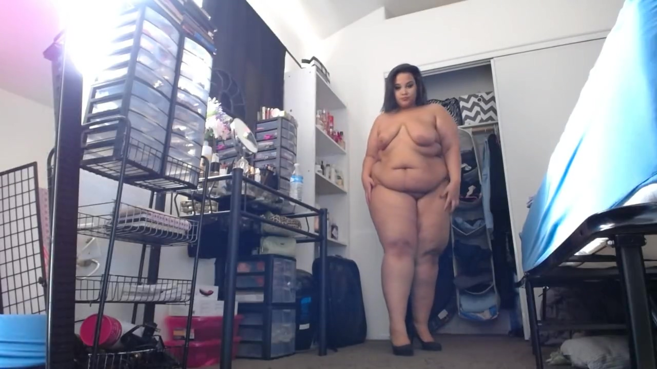 BBW Breanna Mature in pantyhose and bra
