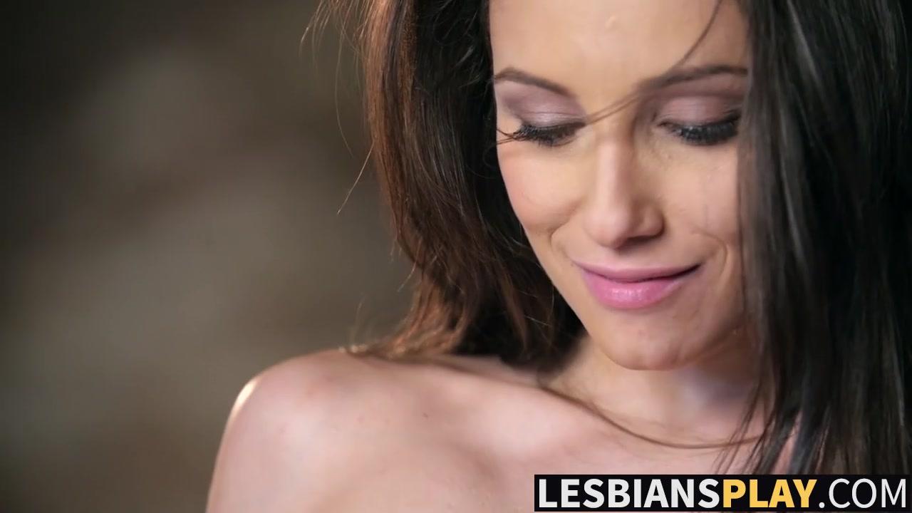 Photo Lesbo dating masturbatian
