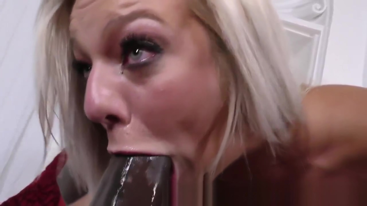 Babe squirts on black rod Free amateur sex clip