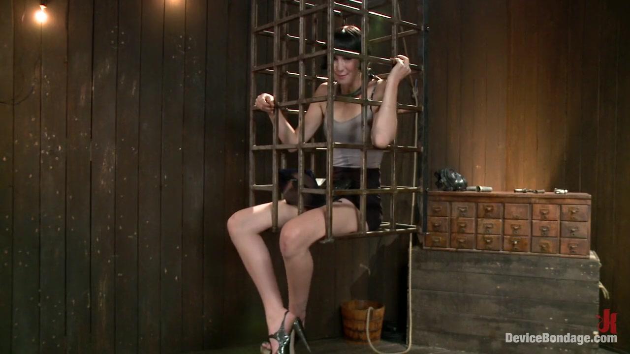 Porn Base Glam Dyke Fingerfuck After Poledancing Class
