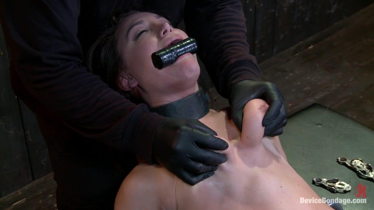 New xXx Video Granny shows tits