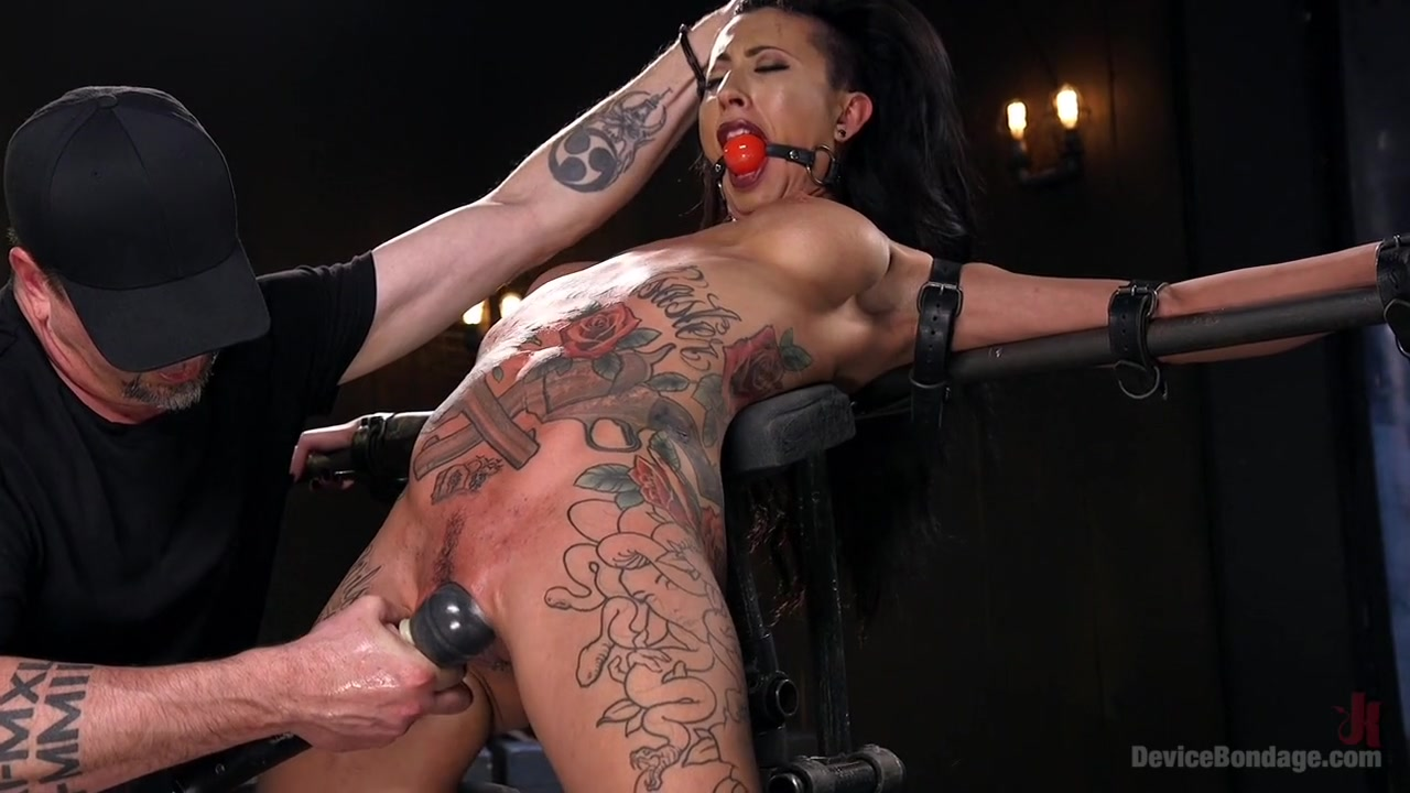 Sexy xxx video Round black pussy pics