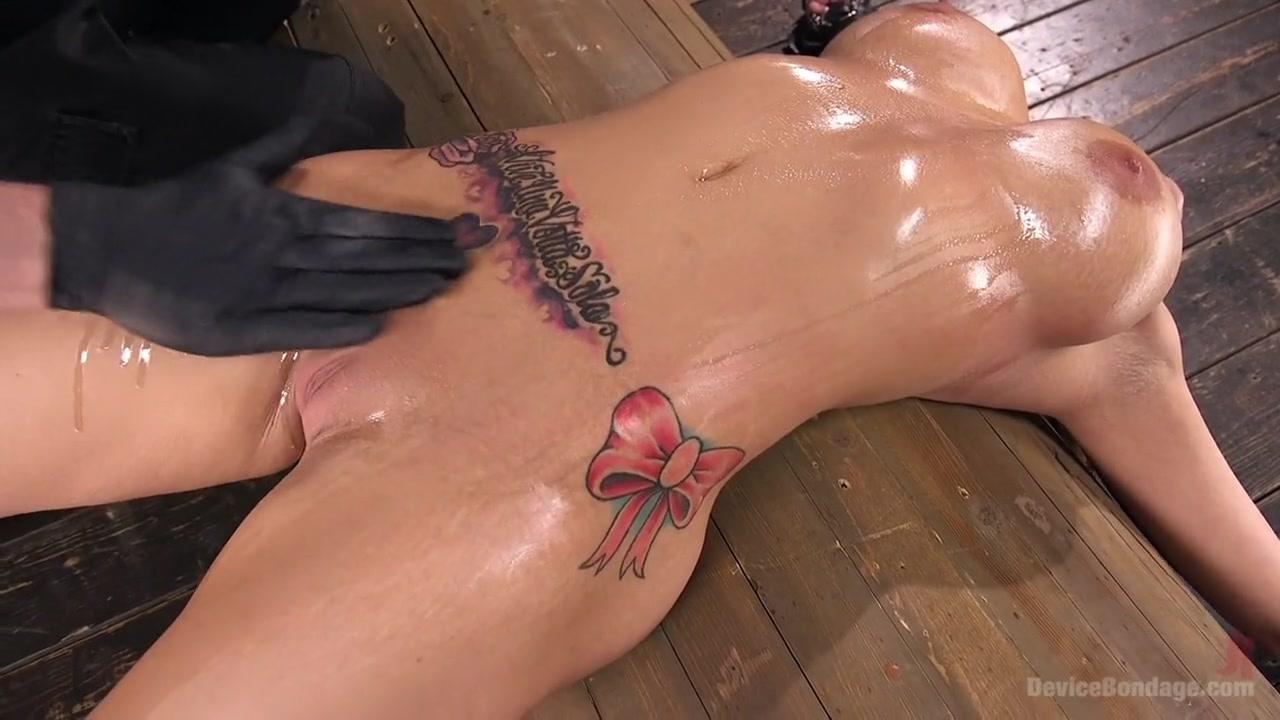 Naked Gallery Bareback blowjob