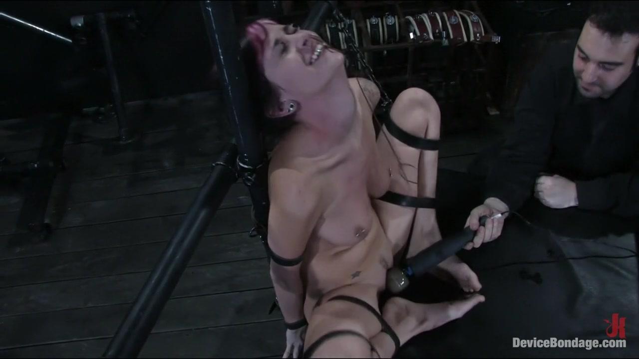 Playing doctor with an italian horny milf Porn FuckBook